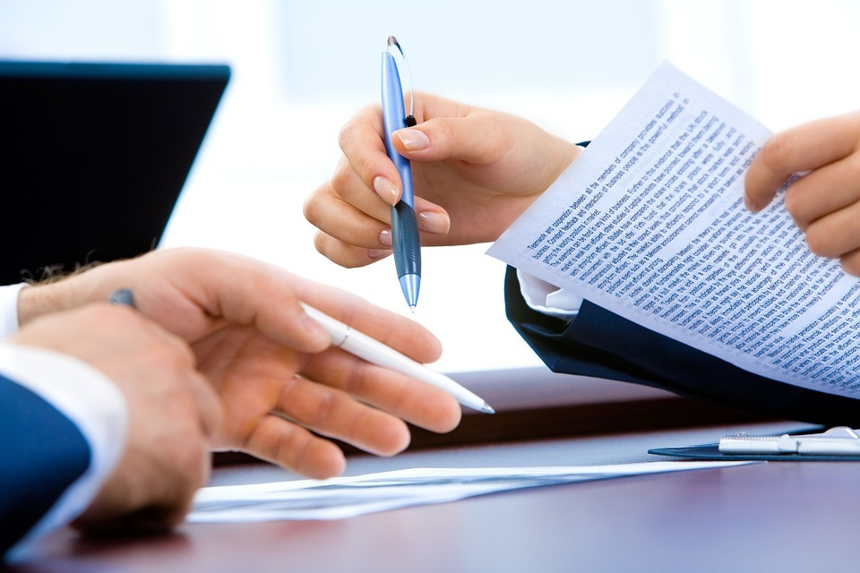 Quels sont les changements apportés à la demande conjointe en divorce depuis son intégration aux procédures non contentieuses?